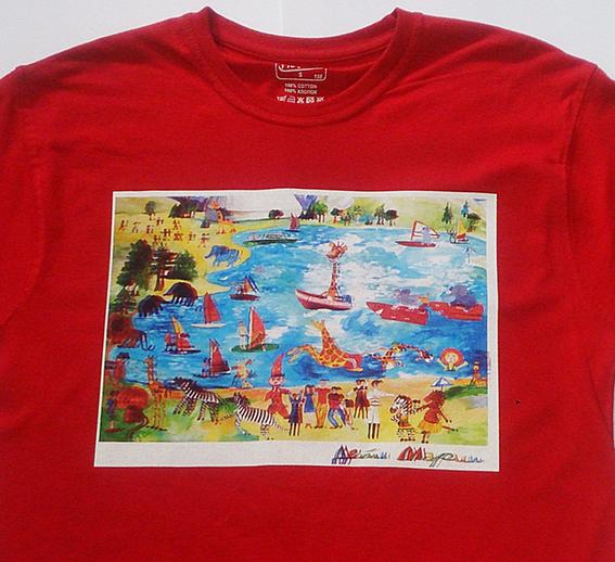 Детский рисунок на красной футболке. Цифровая печать